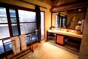 Layout Deluxe Bathroom