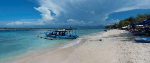 Dive Boat Wide Cloud