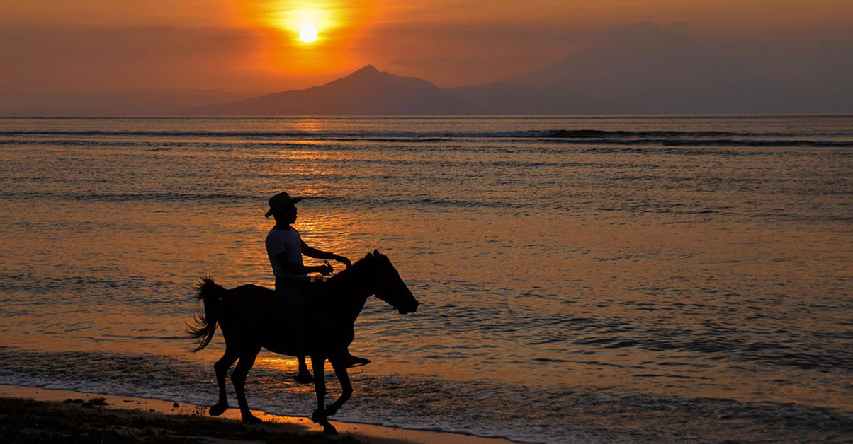 Sunset horse ride on the beach, Gili Trawangan
